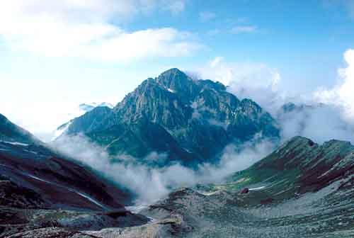 剣岳(別山乗越より望む)